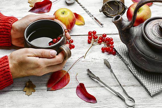 3 nejúčinnější bylinné čaje zmírnění příznaků menopauzy