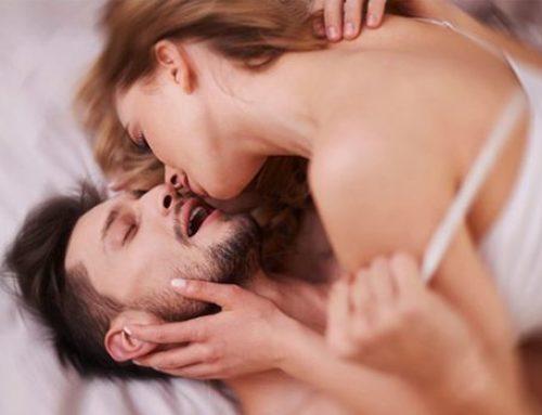 7 skvělých tipů na podporu erekce, pokud váš partner už není sexuálně výkonný jako dřív